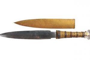 ツタンカーメンの鉄剣